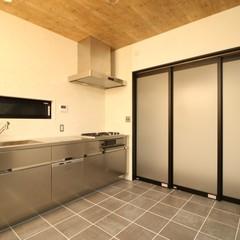 業務用っぽいデザインがかっこいいキッチン