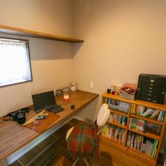 落ち着きのある心地よい空間で仕事も捗るナチュラルな家のワークスペース