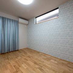 アクセントクロスがアクセントな一室。