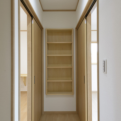 シンプルな廊下は埼玉県川越市の三幸住宅まで!