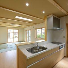 自然素材の家無垢材の落ち着きのあるLDK