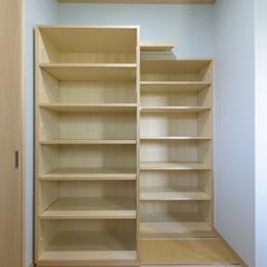 無添加木に包まれた大容量スライド収納空間