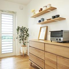 天童市の新築一戸建なら山形県山形市の設計士とつくるデザイナーズ住宅ハウスデザインまで♪1-2-5 キッチン・造作棚