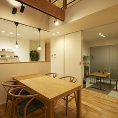 東根市の夢のマイホームなら山形県山形市の設計士とつくるデザイナーズ住宅ハウスデザインまで♪1-2-15 夜・ダイニング・照明・土間