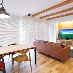 村山市の注文住宅なら山形県山形市の設計士とつくるデザイナーズ住宅ハウスデザインまで♪1-3-4 表し梁・リビング・ダイニング・照明・造作・TVボード