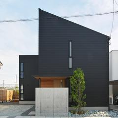 寒河江市の新築一戸建なら山形県山形市の設計士とつくるデザイナーズ住宅ハウスデザインまで♪1-4-1 外壁・ブラック・ガルバリウム・庭