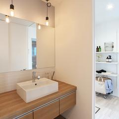 山形市の注文住宅なら山形県山形市の設計士とつくるデザイナーズ住宅ハウスデザインまで♪1-4-9 造作洗面化粧台・照明