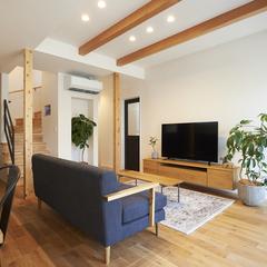 山形市の注文住宅なら山形県山形市の設計士とつくるデザイナーズ住宅ハウスデザインまで♪1-1-4 リビング・表し梁・オーク・TVボード