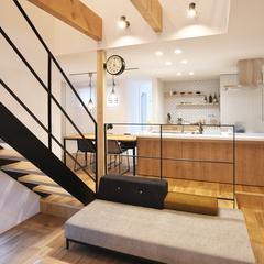 天童市の新築一戸建なら山形県山形市の設計士とつくるデザイナーズ住宅ハウスデザインまで♪1-5-8 アイアン・リビング・階段・吹抜け