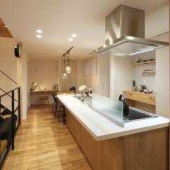 東根市の新築一戸建なら山形県山形市の設計士とつくるデザイナーズ住宅ハウスデザインまで♪1-5-11 キッチン・アイランド・夜