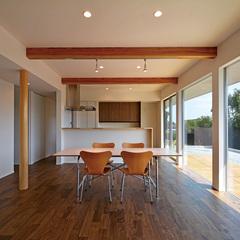 天童市の新築一戸建なら山形県山形市の設計士とつくるデザイナーズ住宅ハウスデザインまで♪1-8-2 無垢床・表し梁・ダイニング
