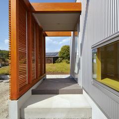 東根市の新築一戸建なら山形県山形市の設計士とつくるデザイナーズ住宅ハウスデザインまで♪1-8-3 外観・玄関・ガルバリウム
