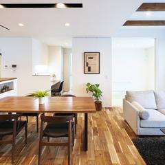 東根市の新築一戸建なら山形県山形市の設計士とつくるデザイナーズ住宅ハウスデザインまで♪ フルハイトドア、大空間、LDK