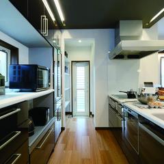 北上市常盤台の3階建て 注文住宅で造作食器棚のあるお家は、クレバリーホーム北上店まで!