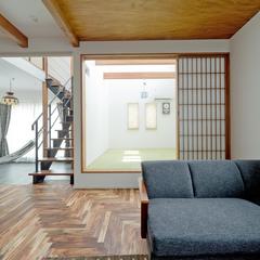 フローリングと小上がりの畳でリラックスできる空間を演出します!