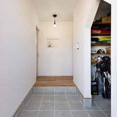 収納バッチリで動線を作りやすい玄関☆