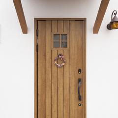 木製ドアのおしゃれな玄関☆