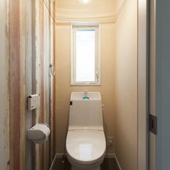 オシャレがギュッと詰まったインダストリアルなトイレ