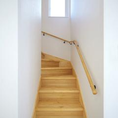 職人の技と経験が創り出した奥行ある安全な階段